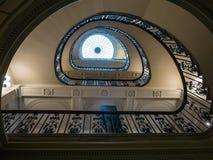 Przyglądający up ślimakowaty schody w Courtauld galerii, Somerset dom Obraz Stock