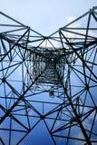 Przyglądający up metal elektryczności pilon Zdjęcie Royalty Free
