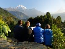 Przyglądający przy górami up Obrazy Stock