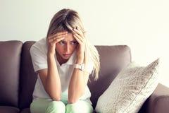 Przygnębiona młoda kobieta Fotografia Stock