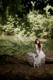 przygnębionej beli siedząca kobieta Obraz Royalty Free