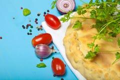 Przygotowana pizza z wytopionym serem stonowany Obrazy Stock