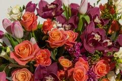 Przygotowania kwiaty od róż, orchidei i tulipanów, Zdjęcie Royalty Free