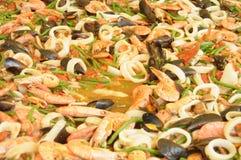 Przygotowanie gigantyczny paella z owoce morza 058 Zdjęcia Royalty Free