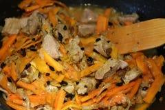 Przygotowanie ryż naczynia - pilaf od Uzbekistan Zdjęcie Stock
