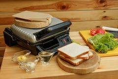 Przygotowany ingradient dla gotować kanapkę Gotowa? od ?wie?ych warzyw obrazy stock