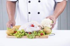 Przygotowany kulinarny surowy kurczak obraz stock