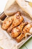 Przygotowany kurczak na kulinarnym papierze fotografia stock