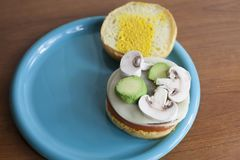 Przygotowany Veggie hamburger zdjęcia royalty free