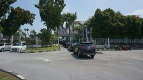 Przygotowywać dla sułtanu Perak sułtanu Nazrin odjeżdżania od Bangunan Dewan Darul Ridzuan zdjęcia stock