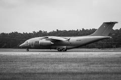 Przygotowywać dla start wojskowego transportu samolotu Antonov An-178 Obraz Royalty Free