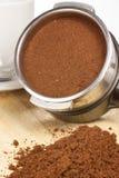Przygotowywa kawę espresso Zdjęcie Royalty Free