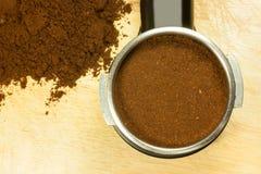 Przygotowywa kawę espresso Zdjęcia Royalty Free