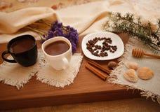 Przygotowywa smakowitych ciastka zarygluj składu pojęcia rodziny orzechy obrazy stock