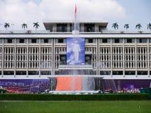 Przygotowywający dla 39th niezależności świętowania przy niezależność pałac, Wietnam Fotografia Royalty Free