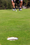 przygotowywający golfisty uderzenie zakańczające obrazy stock