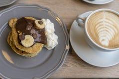 Przygotowywający pić coffe latte Obrazy Royalty Free