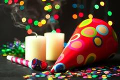 Przyjęcie, świąteczny kapelusz i confetti, Obraz Stock