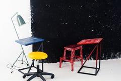 Przyjęcie, błękit, czerwień, kolor żółty, deska, kredowego biurowego warsztatowego centrum szkoleniowego klasowy pokój Zdjęcia Royalty Free