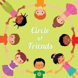 Przyjaźni dzieci świat okrąg dziewczyny i chłopiec różne rasy, Obrazy Royalty Free