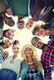 Przyjaciela skupisko Łączy Wakacyjnego przyjęcia grupy pojęcie zdjęcia stock