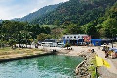 Przyjazd prom Koh Chang wyspa, Tajlandia obrazy royalty free