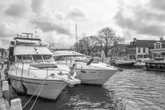 Przyjemność jachty w porcie Lemmer Zdjęcia Stock