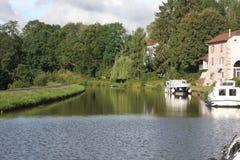 Przyjemności łódź na kanału des Voges w Francja Zdjęcia Royalty Free