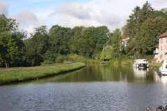 Przyjemności łódź na kanału des Voges w Francja Obraz Royalty Free