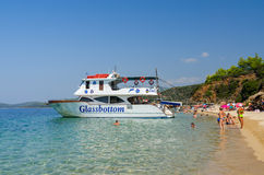 Przyjemności łódź w Sithonia półwysepie, Grecja Zdjęcie Royalty Free