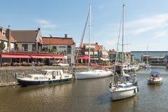 Przyjemności żaglówki w porcie Lemmer w Friesland i jachty, holandie Fotografia Royalty Free