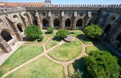 Przyklasztorny circumjacent wewnętrzny podwórze katedra Evora (Se) Portugalia zdjęcie royalty free