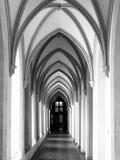 Przyklasztorny z gothic ziobro krypty sufitem zdjęcie stock