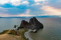 Przylądek Burhan i szaman Kołysamy na Olkhon wyspie jeziorny Baikal przy s Obrazy Royalty Free
