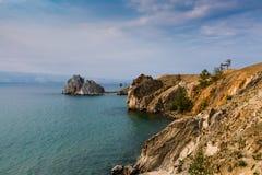Przylądek Burhan i szaman kołysamy na Olkhon wyspie na jeziornym Baikal Zdjęcie Stock