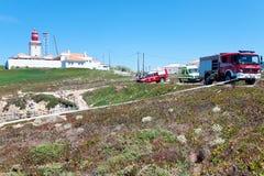 PRZYLĄDEK CABO DA ROCA PORTUGALIA, LIPIEC, - 30: pojazdy biorą część w ponownym Obrazy Royalty Free