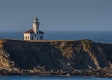 Przylądka Arago latarnia morska Umieszczająca Na falezie zdjęcia stock