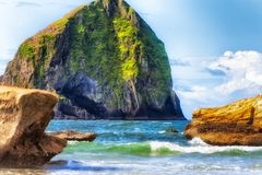 Przylądka Kiwanda ` s Haystack skały Oregon wybrzeże zdjęcie royalty free