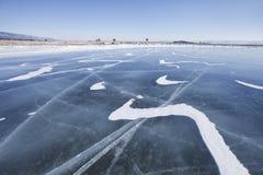 Przylądka Uyuga krajobraz Jeziorny Baikal, zima mały morze Zdjęcia Stock