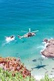 PRZYLĄDEK CABO DA ROCA PORTUGALIA, LIPIEC, - 30: Militarny helikopter bierze Zdjęcie Stock