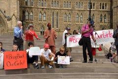 Przynosi z powrotem nasz dziewczynom wiec w Ottawa Zdjęcie Stock