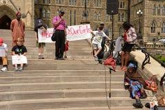 Przynosi z powrotem nasz dziewczynom wiec w Ottawa Fotografia Royalty Free