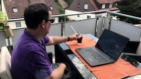 Przypadkowy homeoffice na balkonie zbiory