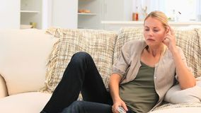 Przypadkowy kobiety dopatrywania th tv zbiory