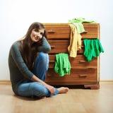 Przypadkowy nastolatek dziewczyny portret Pięknej młodej kobiety przypadkowy stu Zdjęcie Royalty Free