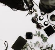 Przypadkowy nowożytny kobieta styl Czarny akcesoria mieszkanie nieatutowy, Obraz Stock