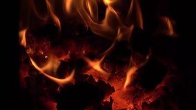Przypalająca łupka obracająca w węgiel zdjęcie wideo