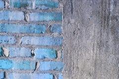 Przyrodnia ściana z cegieł i połówki betonowa tekstura fotografia stock