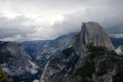 Przyrodnia kopuła, granitowa kopuła w Yosemite dolinie, Yosemite park narodowy, Kalifornia, usa Obraz Stock