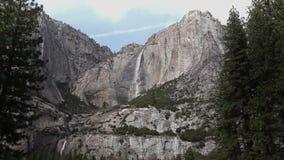 Przyrodnia kopuła i Merced rzeka zdjęcie wideo